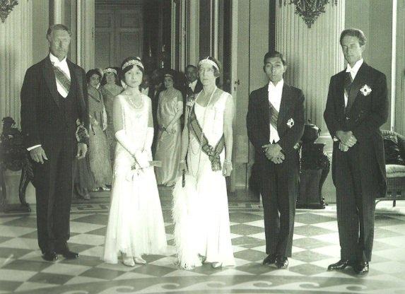 Royalement Blog: Les liens étroits entre la famille royale belge et la famille impériale japonaise