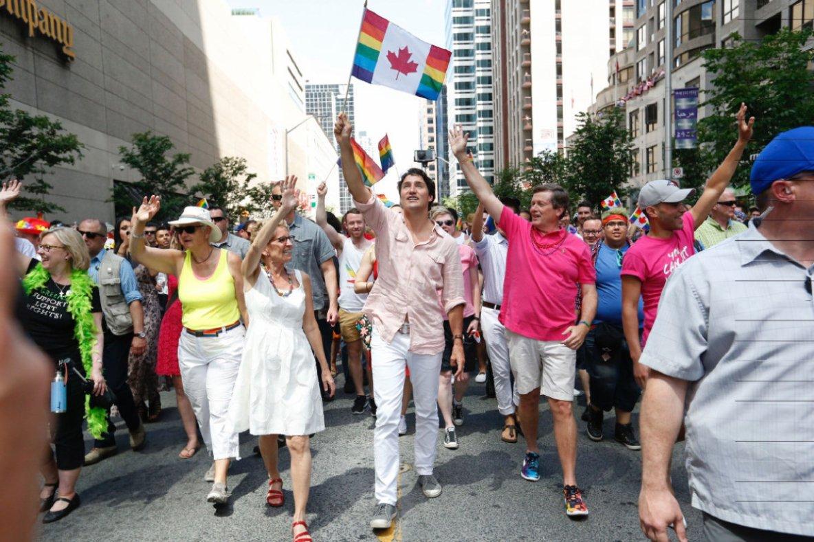 """Avec à sa tête le Premier Ministre canadien (libéral) Justin Trudeau, la plus grande """"gay pride"""" du Canada a eu lieu ce week-end à Toronto."""