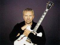 Alex LIFESON (RUSH) élu troisième meilleur guitariste aumonde