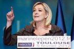 Présidentielle: Marine Le Pen lance un appel aux maires
