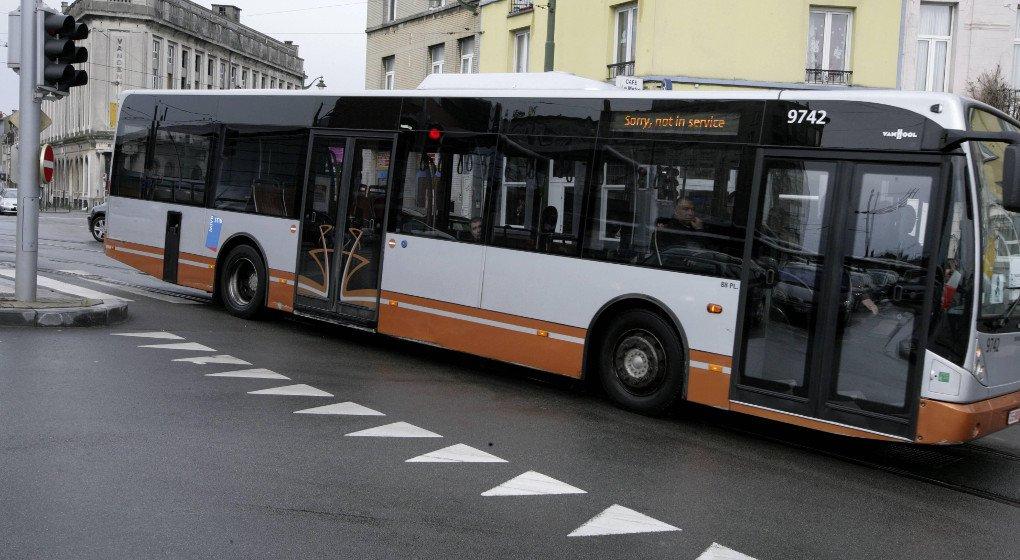 16-09-2018 - Bruxelles - Un cycliste de 78 ans grièvement blessé suite à un accident avec un bus ce dimanche sans voiture à Bruxelles.