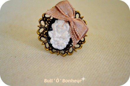 Bague Camé fleurs avec son petit noeud : Bague par bull-o-bonheur