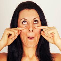 Une étude a évalué l'efficacité du yoga facial pour rajeunir l'apparence