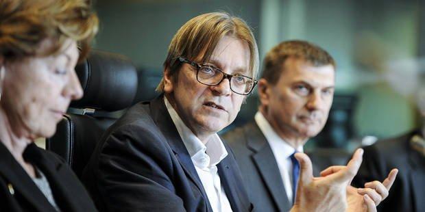 """Verhofstadt: """"On va voir si Tsipras offre des solutions ou est un faux prophète"""""""