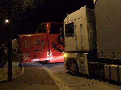 Un bus bloque l'entrée de Salins durant plusieurs heures