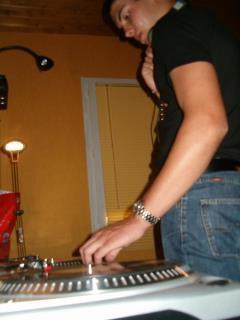 FLO DJ Chic
