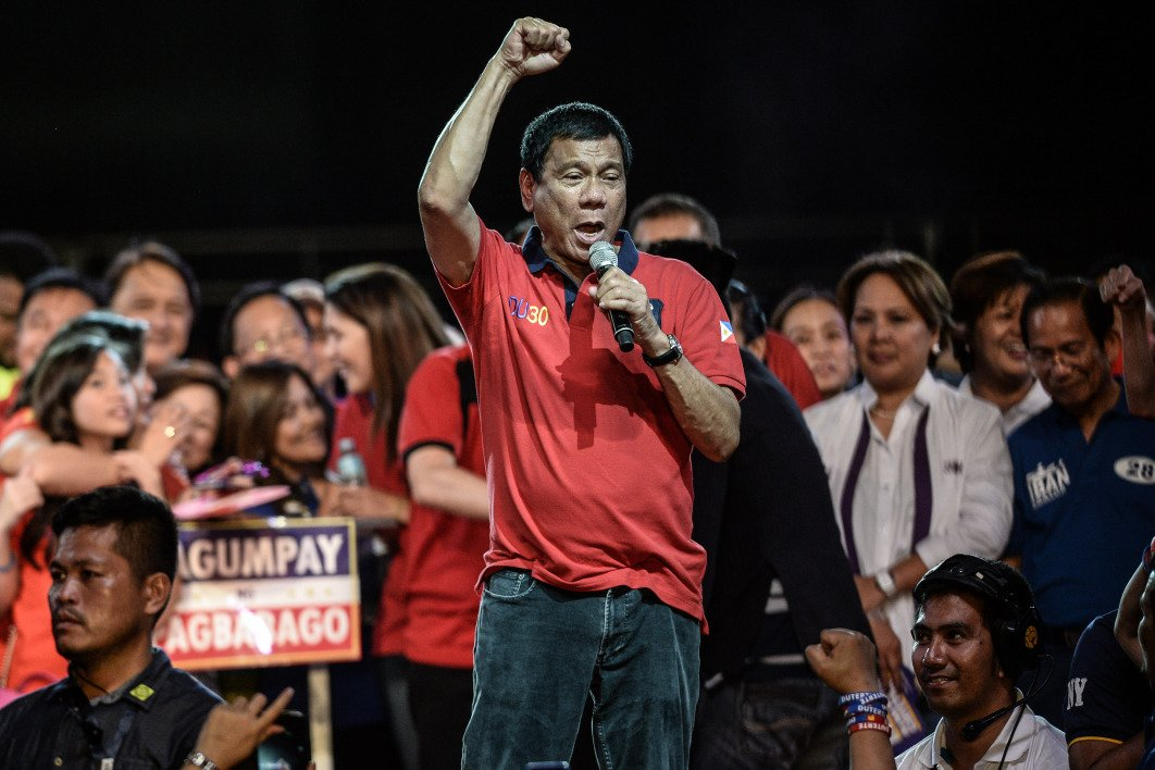 Philippines: le nouveau président Rodrigo Duterte est aussi le roi de l'outrance et des insultes