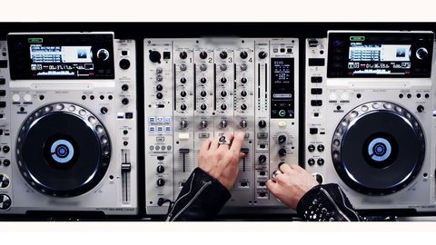 Quentin Mosimann- JE SUIS DJ. (Official music video)