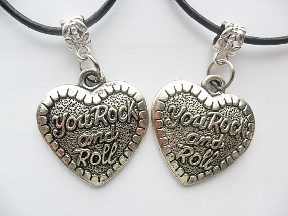 You rock and roll heart Best Friends boy friend girl friend friendship music silver tone adjustable cord necklace set