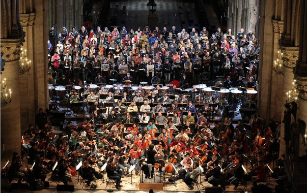 Dans les coulisses : Gustavo Dudamel dirige le Requiem de Berlioz en hommage à Claudio Abbado