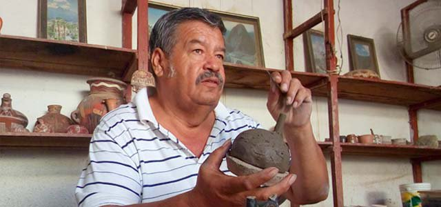 Nasca: La cerámica mágica ~ Guitarra Viajera