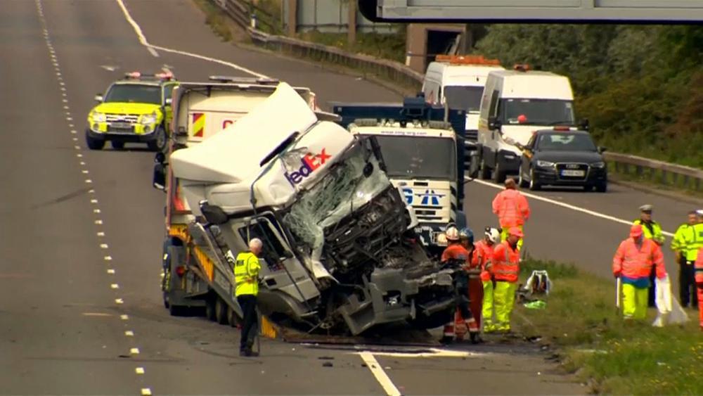 27-08-2017 - Angleterre - Londres - Deux routiers inculpés après la mort de huit personnes dans un mini-car, sur sur l'autoroute M1, près de Newport Pagnell dans le Buckinghamshire.