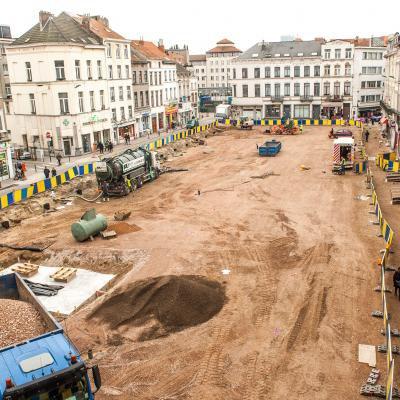 Molenbeek : Joëlle Tuerlinckx présentera une ½uvre contemporaine de 24.000 ¤ pendant le mois de janvier 2014 avant d'être enterrée