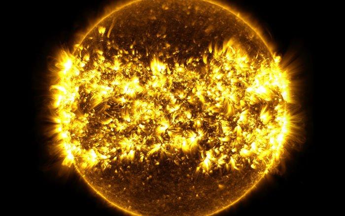 Cette planète qui tourne autour de trois soleils...