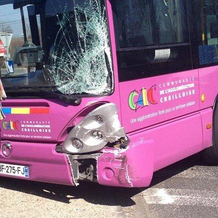 une voiture percute un bus | FMC radio - Oise