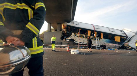 France: sept morts et 25 blessés dans un accident de car | Tribune de Genève