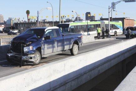 Rapibus: une collision fait une vingtaine de blessés mineurs | Samuel Blais-Gauthier | Justice et faits divers