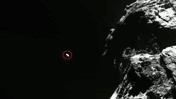 Boulder flying by comet