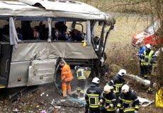 Accident de bus à Ranst: deux avions en route vers la Belgique pour le rapatriement