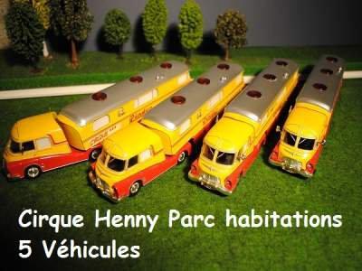 Le parc vehicules du Cirque l'univers du Cirque: maquette du cirque *Henny*