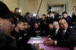 J'y crois pas: Hollande encense les banlieues!!!