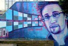 Edward Snowden : Facebook est une société de surveillance déguisée en réseau social