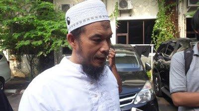 Berita Agen Poker Uang Asli: Sesudah Lebaran, Pendukung Rizieq Shihab Gelar Jihad Konstitusional, Tuntut Jokowi Mundur!