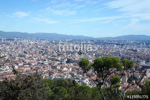 """""""City Trip à Marseille (Bouches-du-Rhône /France)"""" photo libre de droits sur la banque d'images Fotolia.com - Image 175091775"""