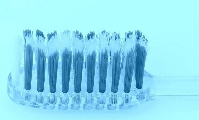 This is What Happens to Your Teeth When You Don't Change Your Toothbrush - Healthy Food Society