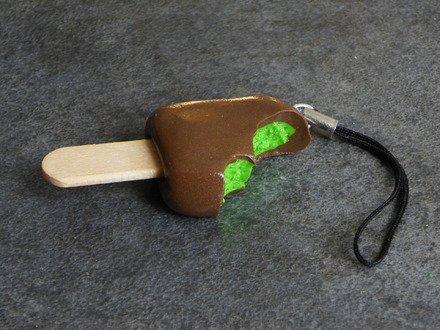 Accessoire pour portable glace en fimo