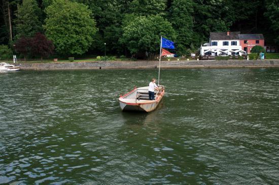 WAULSORT - Histoire de la Meuse wallonne