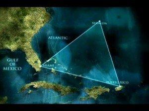 Apparitions dans le Triangle des Bermudes et distorsion du temps