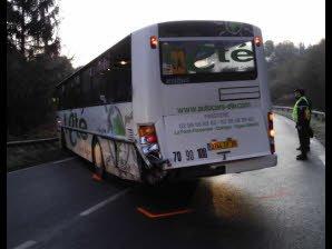 Le Télégramme - Côtes-d'Armor - Verglas. Le bus scolaire percute un fourgon
