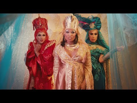 Gay Christmas song – Manila Luzon, Peppermint & Alaska Thunderfuck -