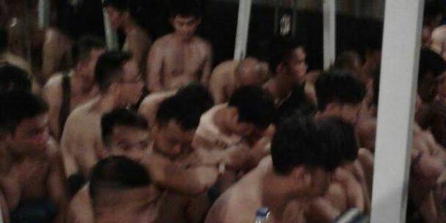 Penggerebekan gay di Kelapa Gading, barang bukti kondom-kasur disita - Berita Harian Indonesia