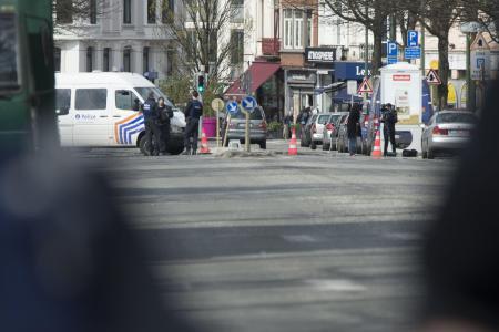 Charleroi: un policier interpellé à son domicile, il avait commandé des armes et des grenades via internet