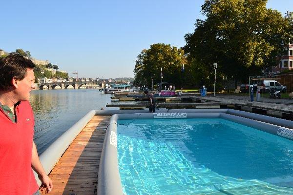Exposition d'une piscine flottante première mondiale