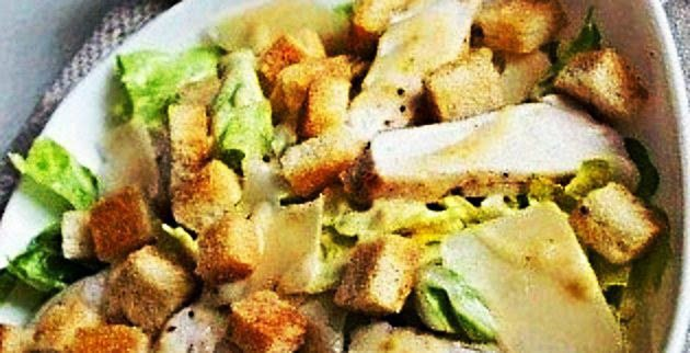 Delicious Foods: Recipe of Caesar Salad with Chicken.