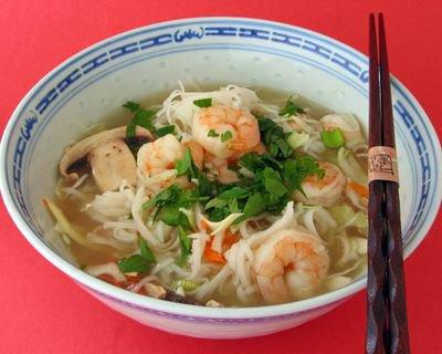 Soupe orientale aux crevettes pauvre en sel