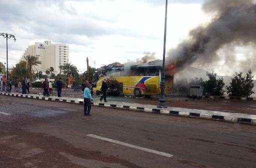 AFP: Egypte: quatre morts dans un attentat contre un bus de touristes sud-coréens