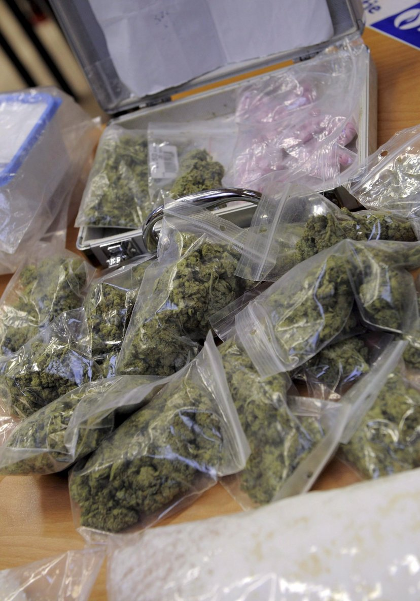 La police découvre 11 kilos de drogue  dans la voiture de dangereux dealers à Molenbeek