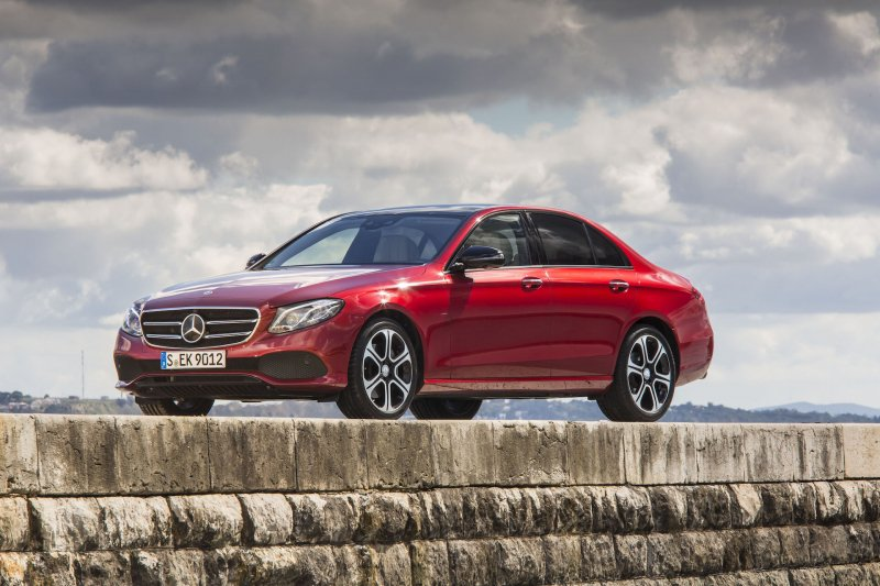 3 Cars with the highest rating for crash worthiness