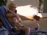 PornoManiac - Exhibition en solo d'une jeune pucelle en chaleur - Videos porno en streaming