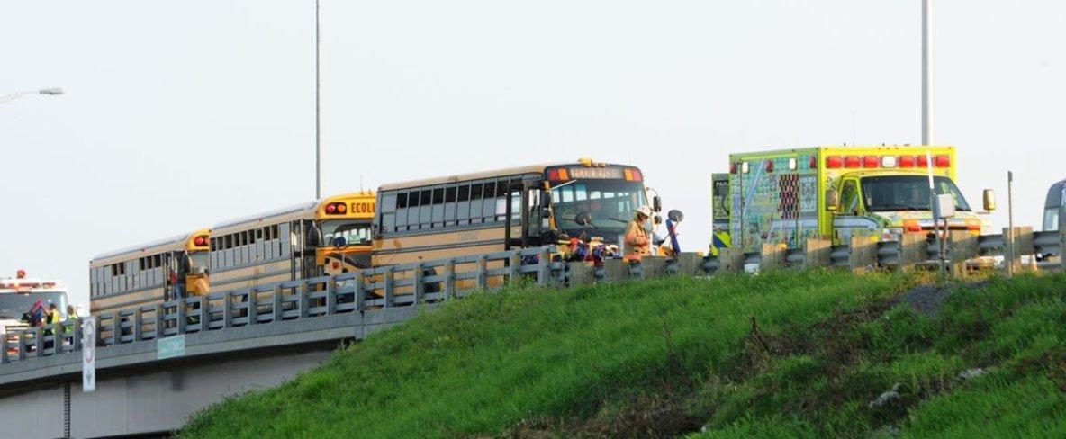 11-09-2017 - Accident entre 3 autocars - Un vingtaine d'adolescents blessés dans un accident d'autobus scolaires