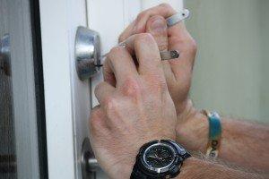Ring 60135050, når du skal bruge en låsesmed med døgnvagt
