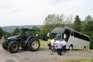 Vosges- Remorqué samedi au Thillot par un tracteur agricole, le même bus a pris feu lundi à Jeuxey