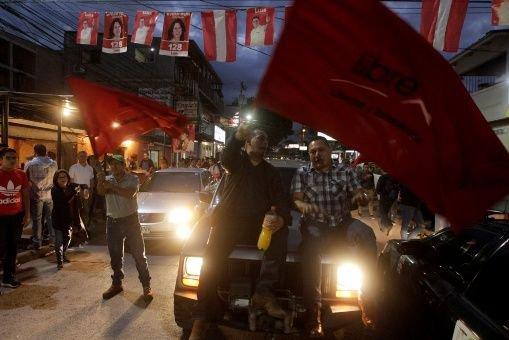 Denuncian a la Presidencia de Honduras por ordenarasesinatos