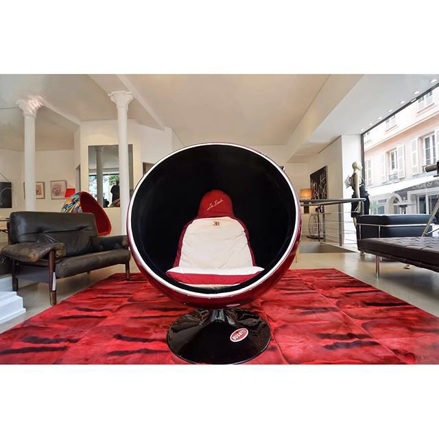 In case you haven't noticed, we love chairsBugatti chair by Teddy Delaroque - carredoregallery