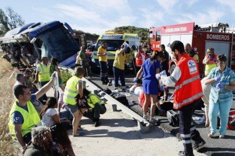 Neuf morts et vingt blessés dans un accident de car en Espagne