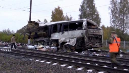 Collision entre un train et un bus en Russie: 16 morts
